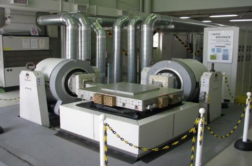 振動試験装置