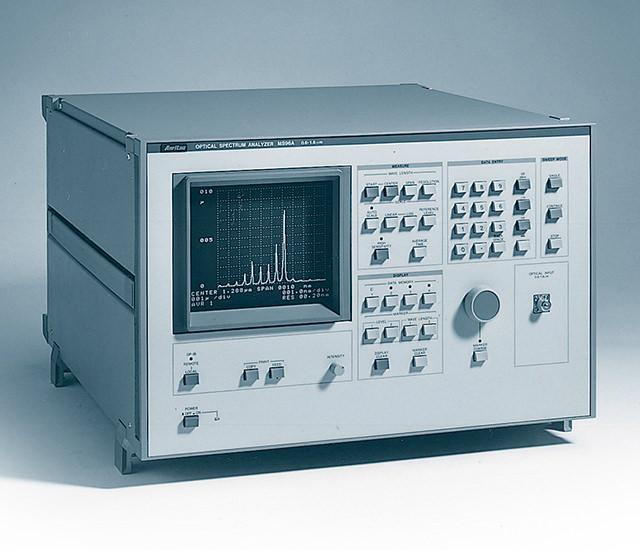 スペクトラムアナライザ MS96A