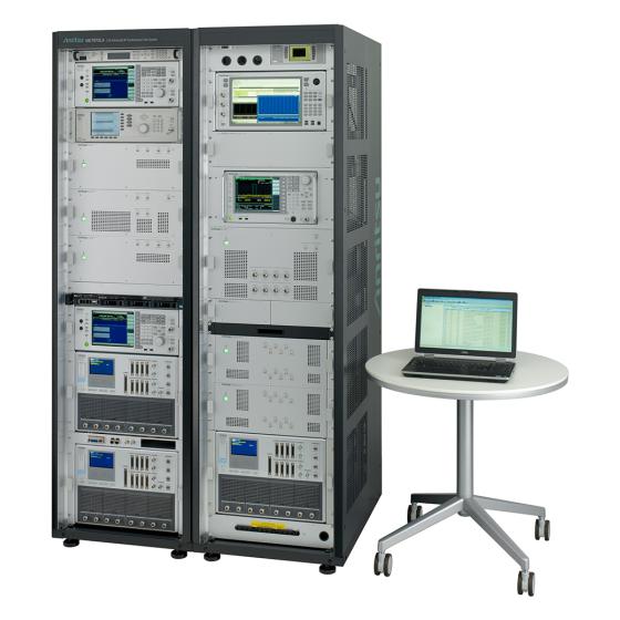 LTE-Advanced RF コンフォーマンステストシステム ME7873LA 斜め(PCあり)