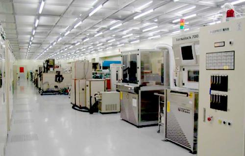 MMICを製造するクリーンルーム