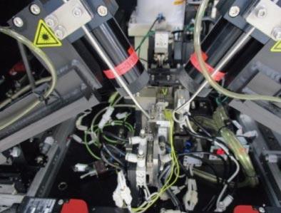 自動レンズ調芯固定装置(内部)